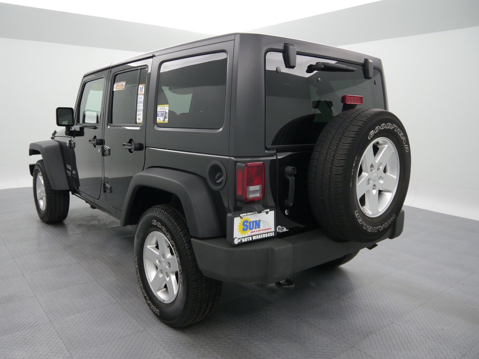 pre-owned 2015 jeep wrangler unlimited sport convertible cortland