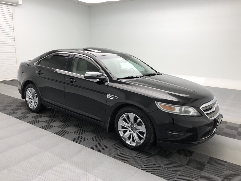 Pre-Owned 2011 Ford Taurus Limited