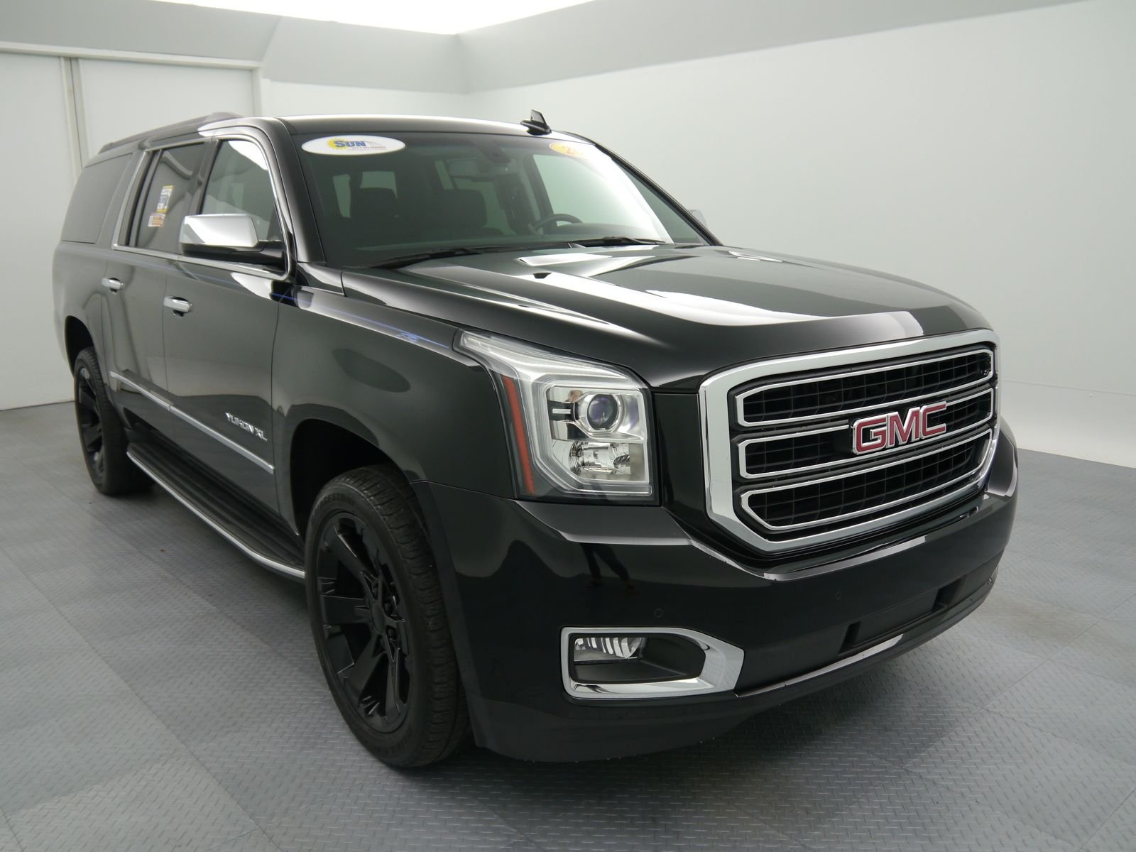 pre owned 2015 gmc yukon xl sle sport utility cicero wt31487 cicero ny used car king. Black Bedroom Furniture Sets. Home Design Ideas