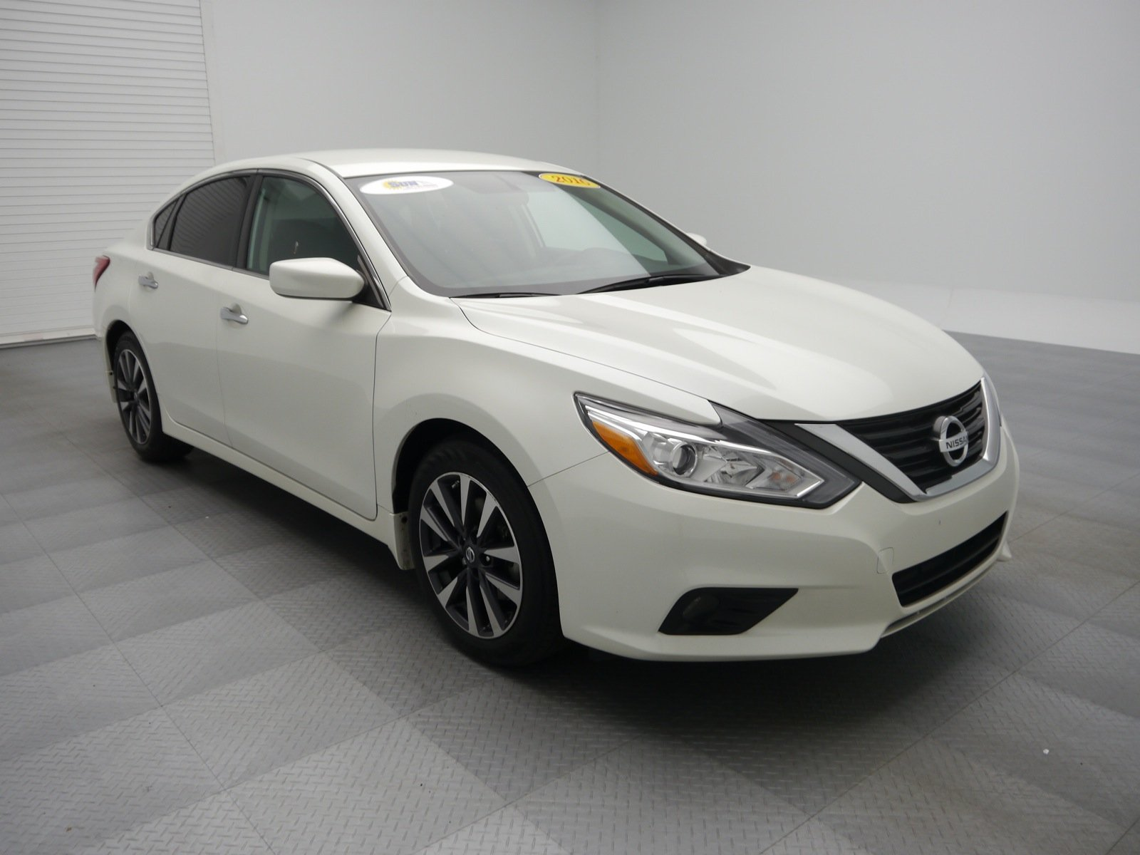 pre owned 2016 nissan altima 2 5 sv 4dr car cicero w31223 cicero ny used car king. Black Bedroom Furniture Sets. Home Design Ideas